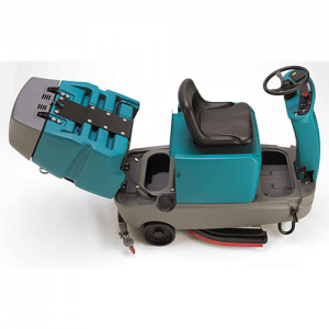 Tennant T7 Ride On Scrubber 2